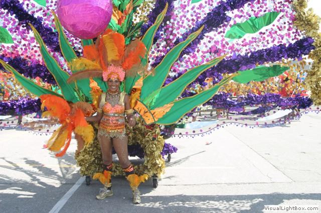 ./photos/girl_costume.jpg